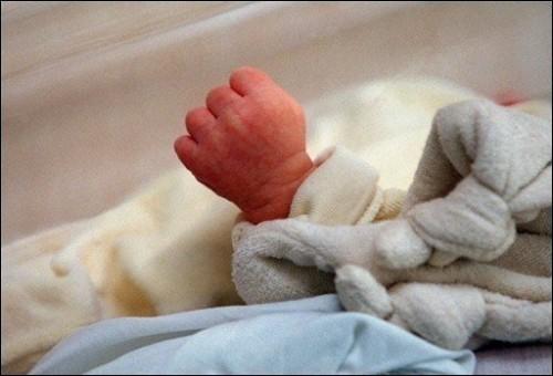 Horreur aux PA: le corps sans vie d'un nouveau-né déposé devant…