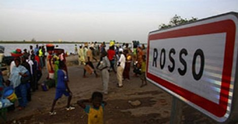 URGENT- Ça chauffe à Rosso Sénégal… Les jeunes affrontent les forces de l'ordre…