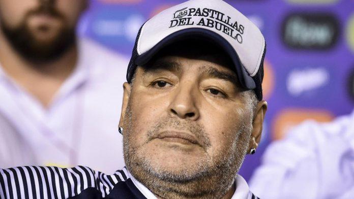 Diego Maradona à l'agonie avant sa mort : un rapport accablant dénonce sa fin de vie tragique