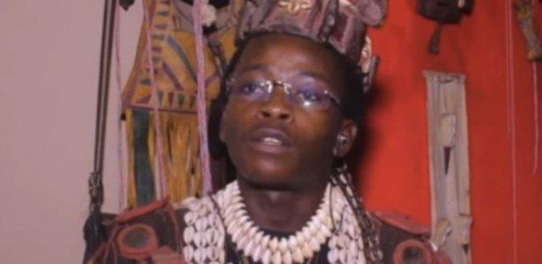Le féticheur malien qui a avoué avoir tué L. Ndiaye a un passé trouble. En 2011, le nom de Hamidou Sidibé est apparu dans une sordide affaire d'association de malfaiteurs, séquestration avec acte de barbarie, vol en réunion et meurtre. Selon Libération, un nommé Abdou Kama avait été kidnappé par des malfrats et torturé pendant quatre jours dans la maison où vivait le féticheur malien. La victime a été bâillonnée, ligotée puis abandonnée dans un terrain vague où il s'est vidé son sang jusqu'à rendre l'âme. Lors de la perquisition de la police, rapporte le journal dans sa livraison de ce mardi, il avait disparu laissant toutes ses affaires sur place. Sidibé, âgé de 37 ans, s'est forgé une réputation mensongère avec la complicité d'une certaine presse en ligne.